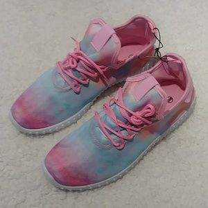 NWT Cotton Candy Sole Mates Tennis Shoes